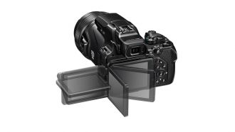 Nikon Coolpix P1000 back web