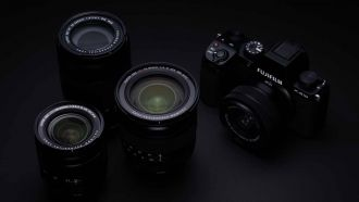 FUJIFILM X S10 key visual 34 web
